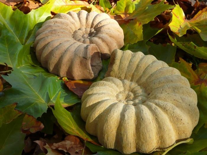 Steinschnecke in Ammonitenform,Frostfeste Gartendeko aus Steinguss